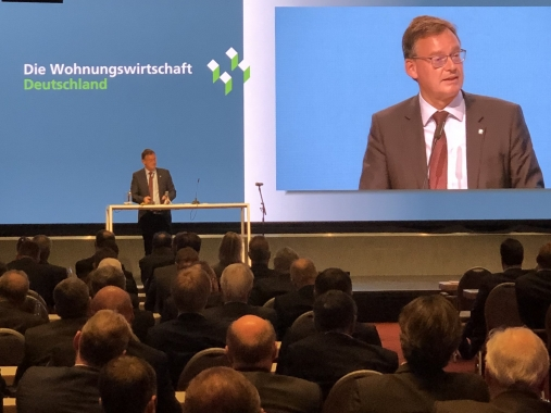 Axel Gedaschko delivers his keynote speech | Photo: GdW Twitter profile @GdWWohnen